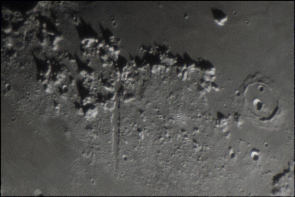 Moon_2018MAR25_20_29_52_1600px.jpg