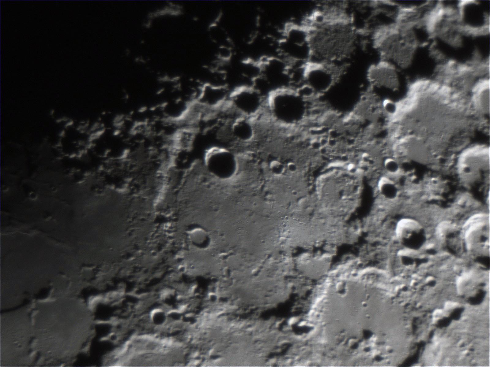Moon_2018MAR25_20_42_43_1600px.jpg
