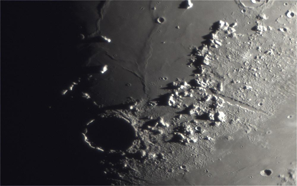 Moon_2018MAR25_20_07_23_1920px.jpg