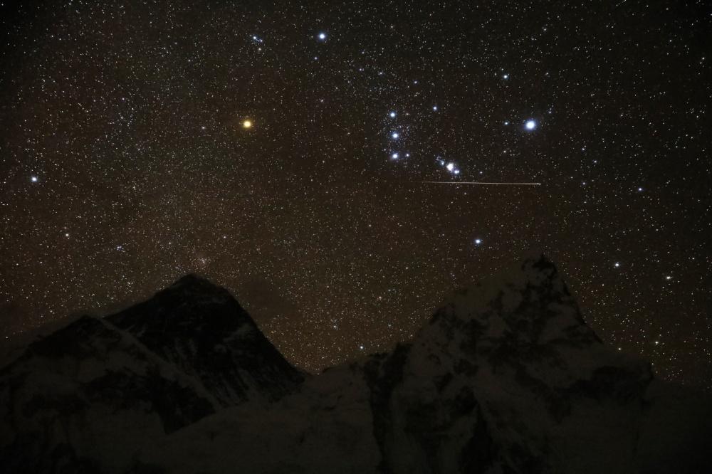 rs_Everest shootingstar.jpg