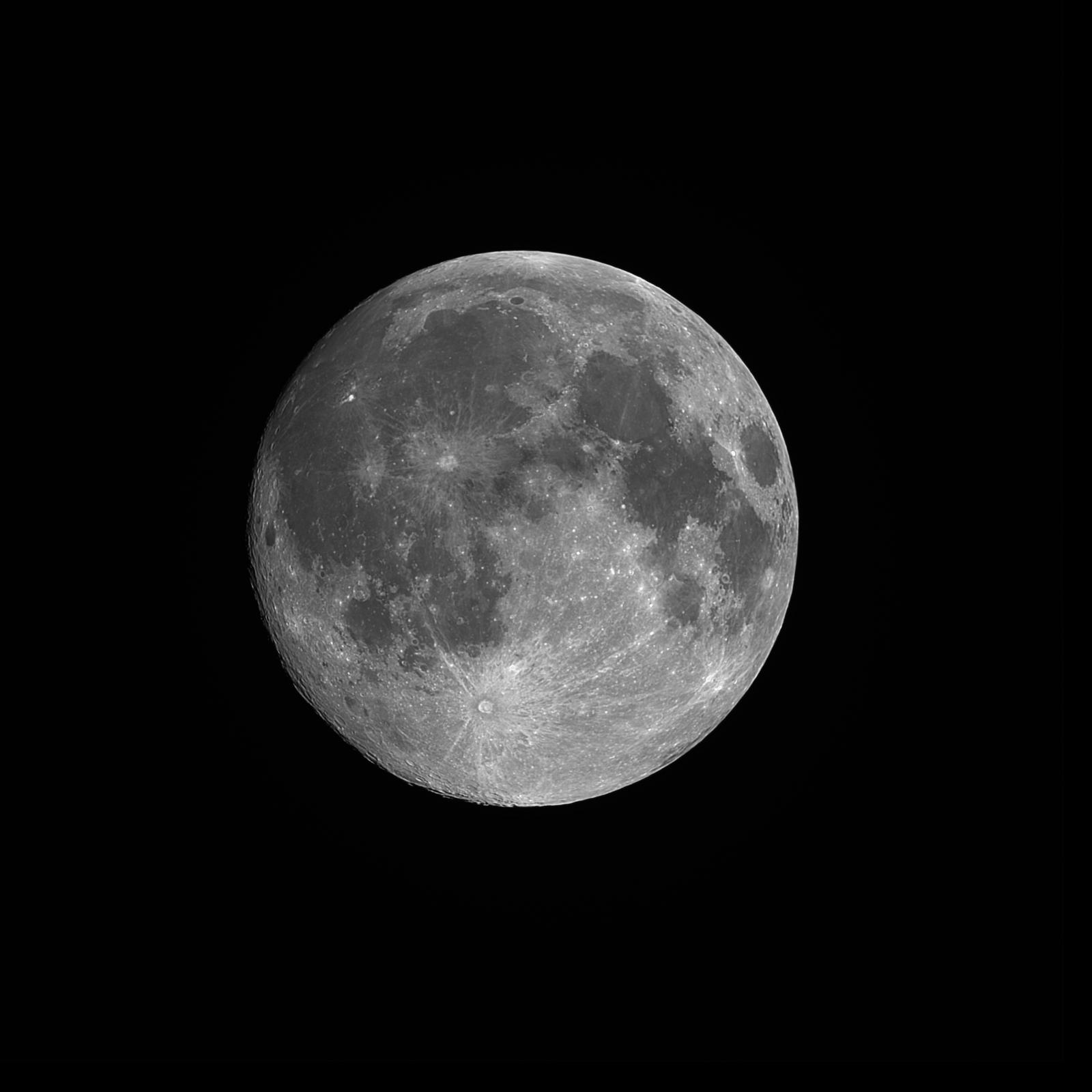 Moon_2020FEB08_20_45_01_1600px.jpg