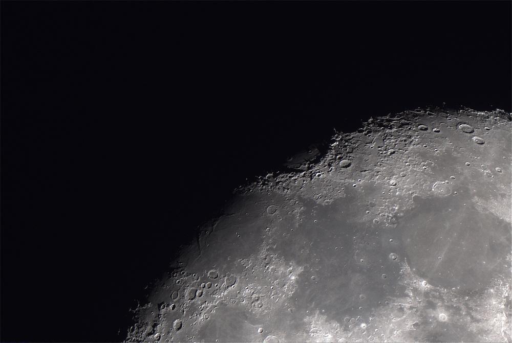 Moon_2018FEB04_00_25_01_3096px2.jpg