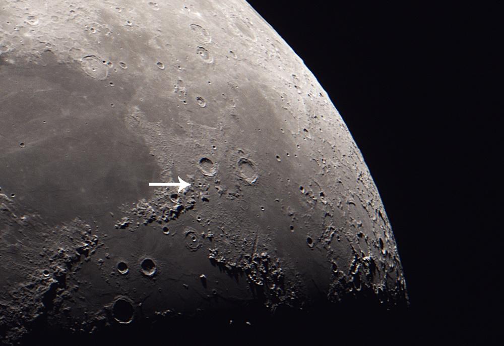 Moon_2017NOV26_1600px2_alien.jpg